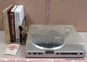 Sansui FR-D35 Turntable and Books