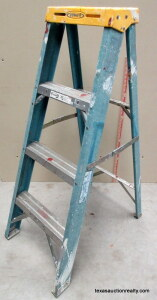 Werner 4' Fiberglass Folding Step Ladder