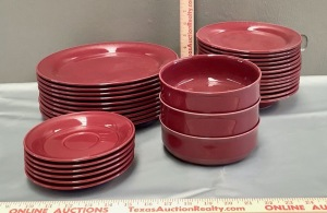 Nancy Calhoun Dinnerware