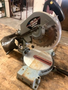Delta Model 36-220 Type 3 10in Compound Miter Saw