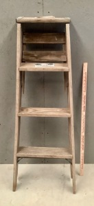 4ft Wood Ladder