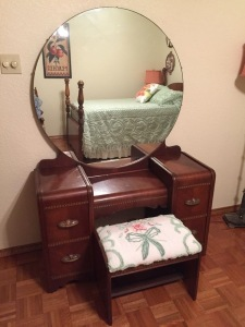 Vintage Waterfall Design Vanity Dressing Table with Mirror and Bench