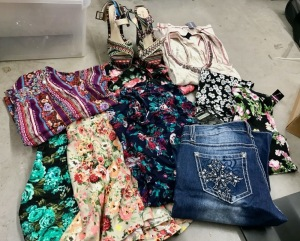 MISC LOT OF CLOTHING, SIZE MEDIUMS, BRANDS: WET SEAL, ALI & KRIS, ZCO JEANS-SIZE 9 & ULTRA FLIRT) AND SHOES SIZE 8