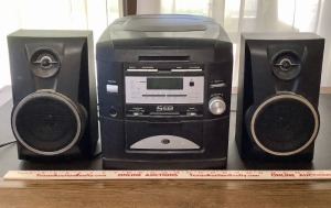 Radio Tuner / CD Player and 2 Speakers