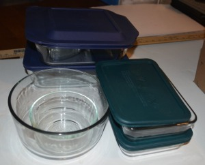 "One 8"" x 8"" casserole dish with lid, One 2.75 quart casserole/storage with lid., two, 3-cup with lids, One round 1.75 quart bowl no lid. One round 2-cup bowl with no lid. Total of 6 glass pieces. All Pyrex."