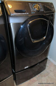 Samsung Front Load Clothes Washer with Drawer Riser
