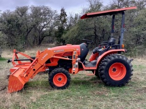 Kubota B3350 HSD Tractor with LA534 Loader and Canopy
