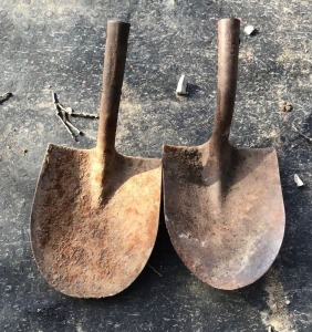 2 Shovel Heads