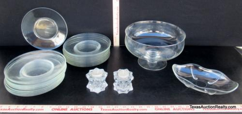 Lot 1542 Of 269: Glass Kitchen Servers
